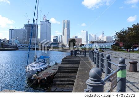 Yokohama Port 47082572