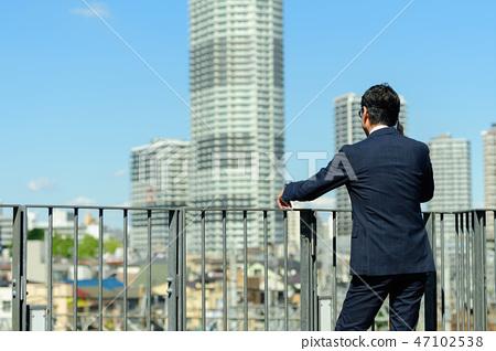 商人藍天大廈企業人圖像 47102538