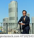 商人藍天大廈企業人圖像 47102543