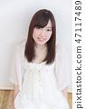年輕女士的髮型 47117489