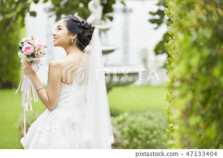 Female portrait marriage bridal 47133404