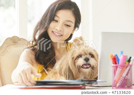 女人寵物生活方式業務 47133620