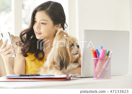 여성 애완 동물 라이프 스타일 비즈니스 47133623