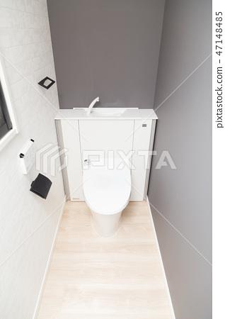 toilet 47148485