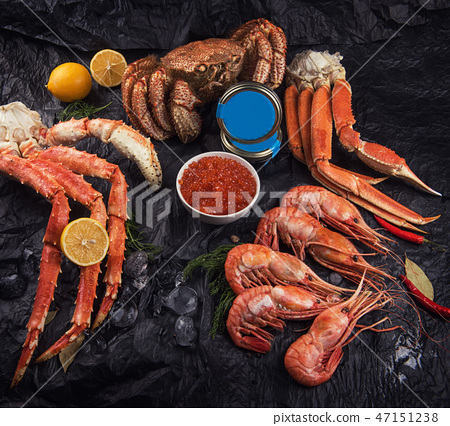Set of fresh seafood 47151238
