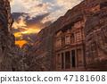 Al Khazneh - the treasury, ancient city of Petra, Jordan 47181608