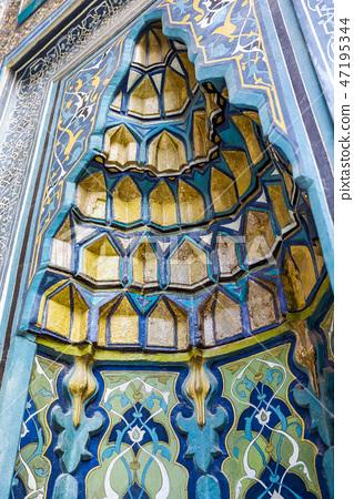 Beautiful tile decoration of Yesil Turbe 47195344