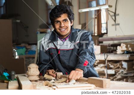 Carpenter at work 47202038