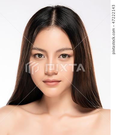 Beautiful Young asian Woman with Clean Fresh Skin 47222143