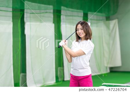 年輕的女人,高爾夫,練習 47226704