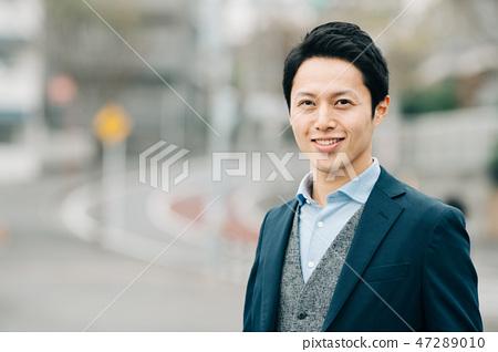 站立年輕日本的人戶外 47289010