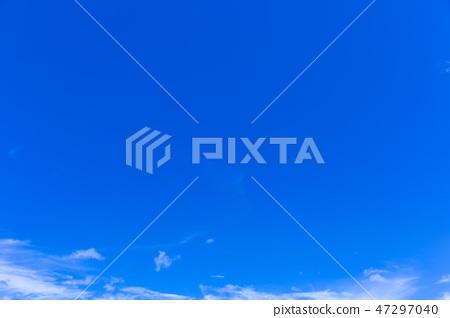 蓝天和白色云彩52 47297040