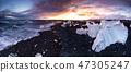 Beautiful sunset over famous Diamond beach, Iceland. 47305247