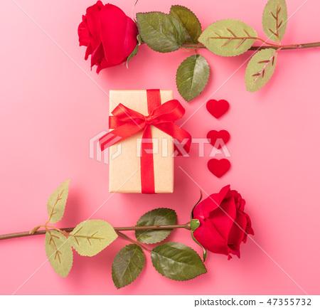 情人節白色情人節禮物瑞帶琞縶瑰寶瑰愛心情人節情人節 47355732