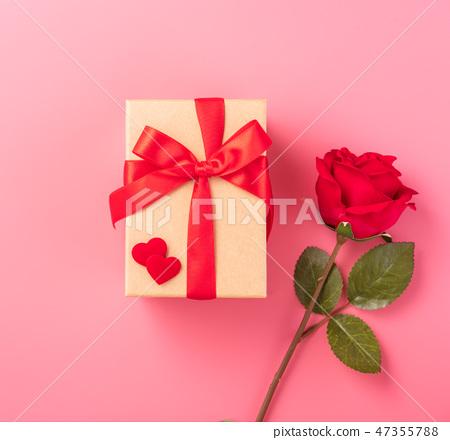 情人節白色情人節禮物瑞帶琞縶瑰寶瑰愛心情人節情人節 47355788
