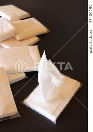 Pocket Tissue 47406599