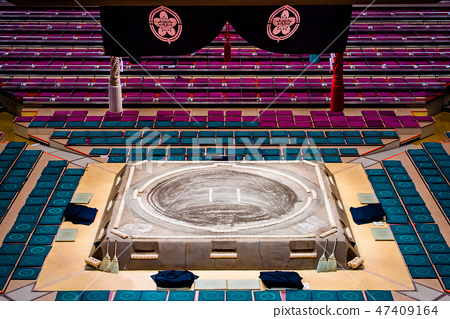 Sumo-sumo ring and hanging roof 47409164