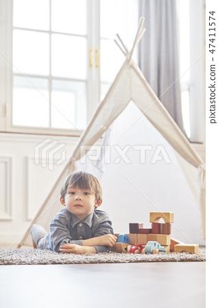 블록놀이,유아,어린이,아기,베이비,거실,집,주택 47411574
