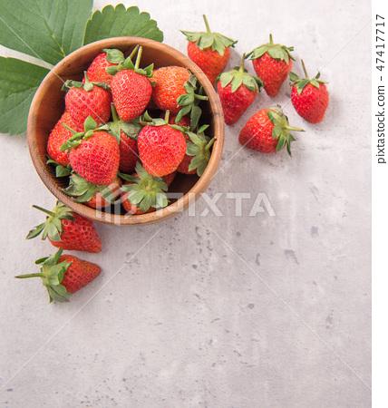 草瓜水水果冬季水泥木碗清水模仿背景草莓草莓草莓 47417717