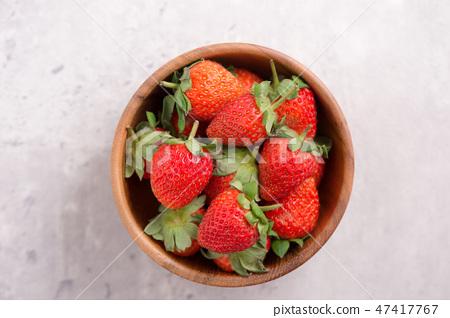 草瓜水水果冬季水泥木碗清水模仿背景草莓草莓草莓 47417767
