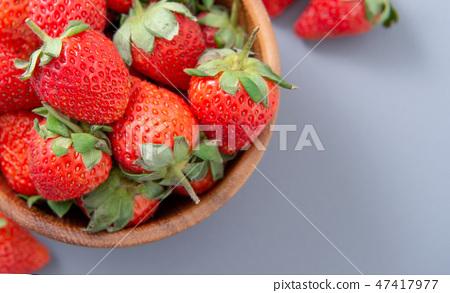 草瓜水水果冬天樹碗靛藍灰色背景草莓草莓草莓 47417977