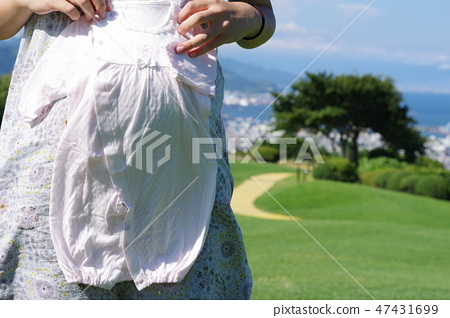 Maternity photo 47431699