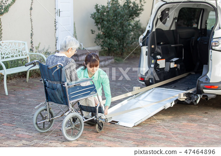 휠체어 차량 이미지 47464896