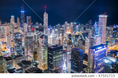 beautiful downtown Chicago skyline at night 47501715