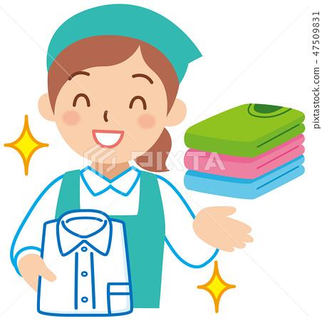 安排衣服的女性工作人员 47509831