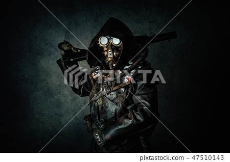 Portrait of a post apocalyptic warrior 47510143