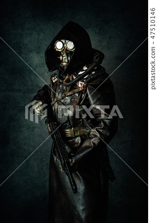 Portrait of a post apocalyptic warrior 47510146