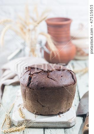 Round rye bread 47515655