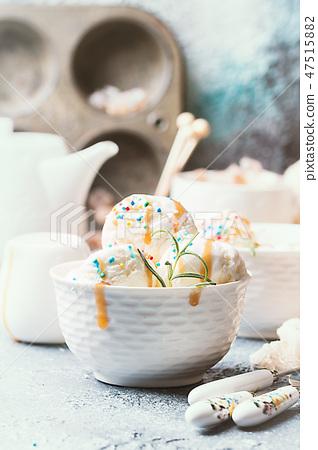 Vanilla Ice Cream 47515882