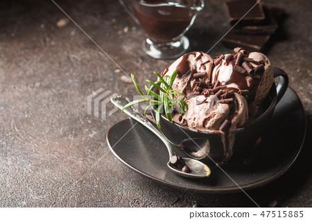 Chocolate coffee ice cream 47515885