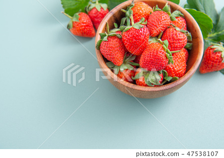 Strawberry fruit winter blue green wood background イチゴ いちご strawberries