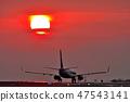 起飞的日落飞机起飞向日落 47543141