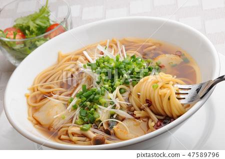 Mushroom Japanese style soup pasta 47589796