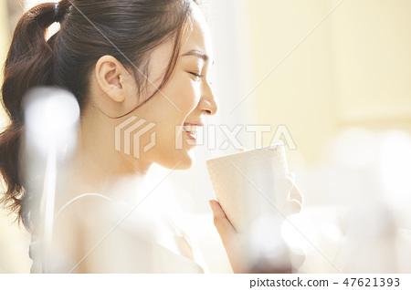 女性生活方式放松 47621393