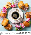 Mini fresh croissants bun 47625505