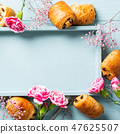 Mini fresh croissants bun 47625507