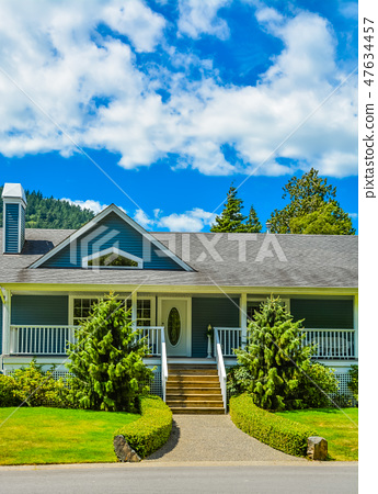 Entrance of big residential house on a country side in British Columbia, Canada 47634457