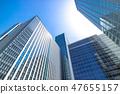 看摩天大樓的辦公室鎮的風景 47655157