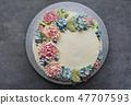 wedding cake, buttercream flowers, grey background 47707593
