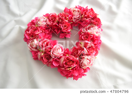 Heart's rose lease 47804796
