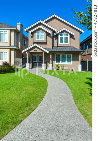 New small family house with concrete pathway in Vancouver, British Columbia 47827813