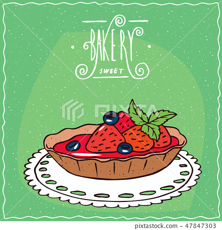 Tartlet with fresh strawberries on lacy napkin 47847303