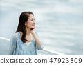 中間女性肖像圖像 47923809