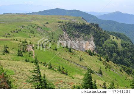 나가노 현 우쓰 쿠시가하라의 王ヶ頭에서 남쪽 烏帽子岩 방면 희망 47941285