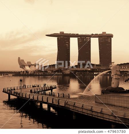 Singapore skyline 47963780
