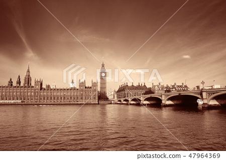 London skyline 47964369